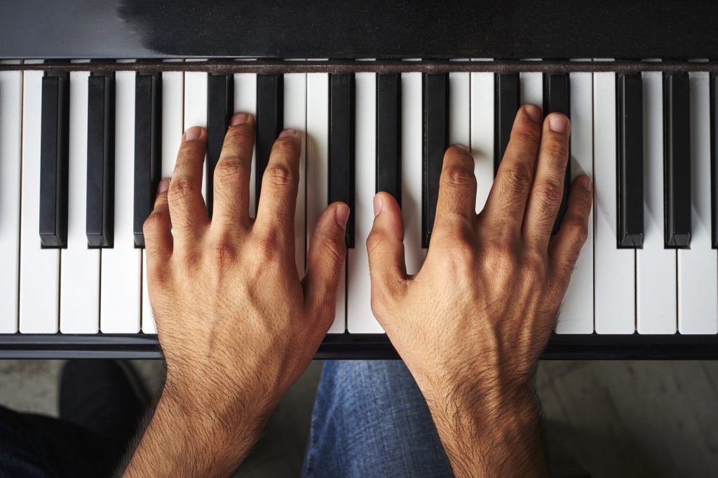 Mastering Piano Hand Position