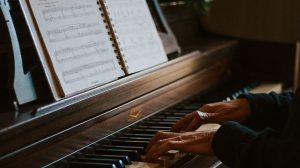Major Piano Pieces That Every Pianist Should Be Familiar With