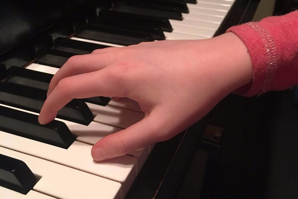 How Curved Do Your Fingers Need to Be?